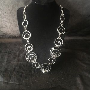 Jewelry - Silver circle like necklace.